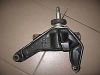Кронштейн кпп 8200034578 б/у 2.5dci на Renault Master, Opel Movano, Nissan Interstar год 2003-2010 (6 ступка)