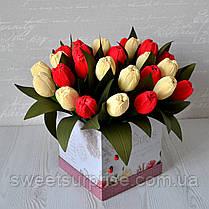 """Кошик з квітами з цукерок """"Тюльпани"""", фото 3"""