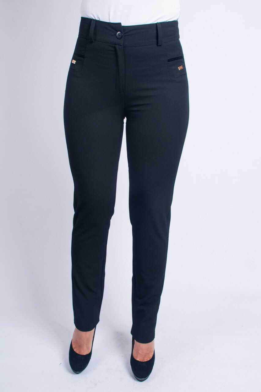 c09fd682acc5 Черные женские брюки, классического покроя, зауженные к низу. Размеры: 44-58