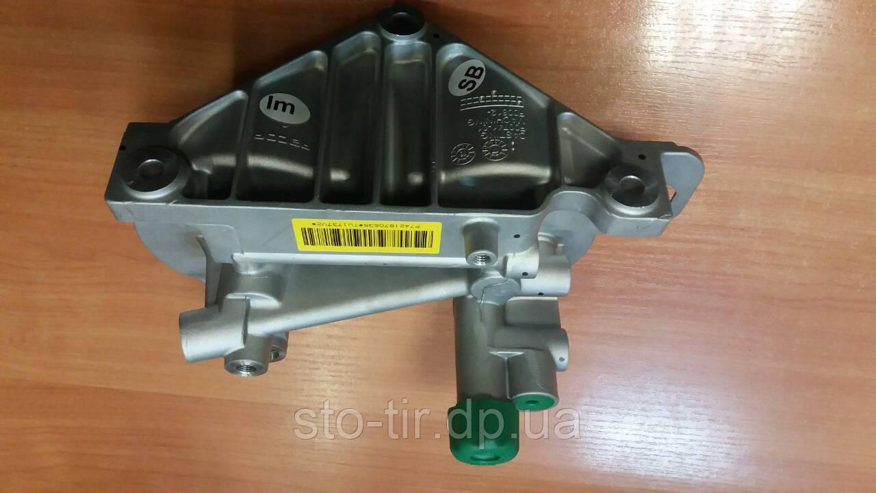 Корпус топливных фильтров Renault Premium / Magnum DXI 11 / DXI 12 / DXI  13: продажа, цена в Днепре