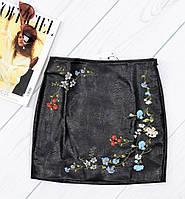 Женская юбка экокожа с вышивкой. Код 1-1