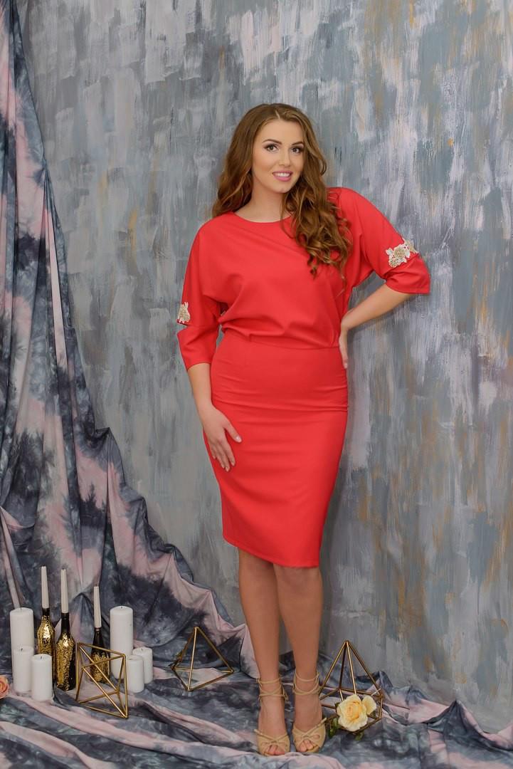 """Шикарное женское платье ткань """"Костюмная"""" с разрезами на рукавах из кружева коралл 48, 50, 52, 54 размер батал"""