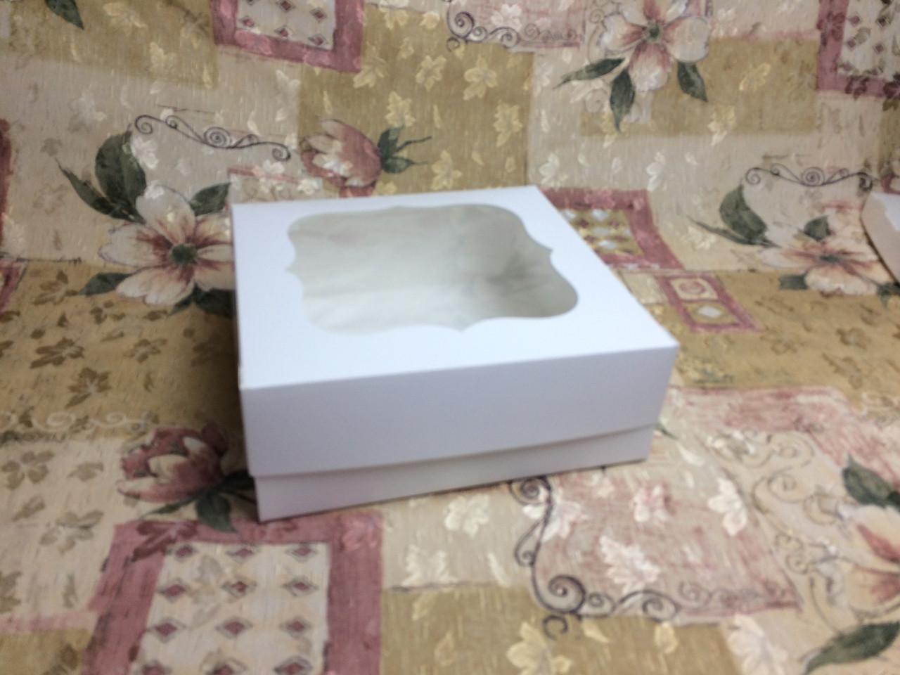 Коробка / 250х250х90 мм / Белая / окно-обычн / для торт