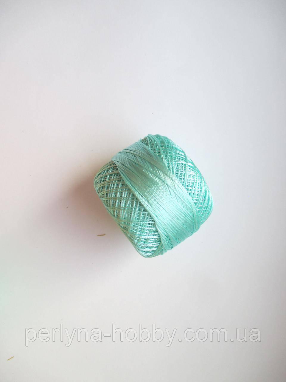 Нитки поліестер (штучний шовк)  для в'язання, вишикання типу Ірис ( Iris ) 20 грам, мятний