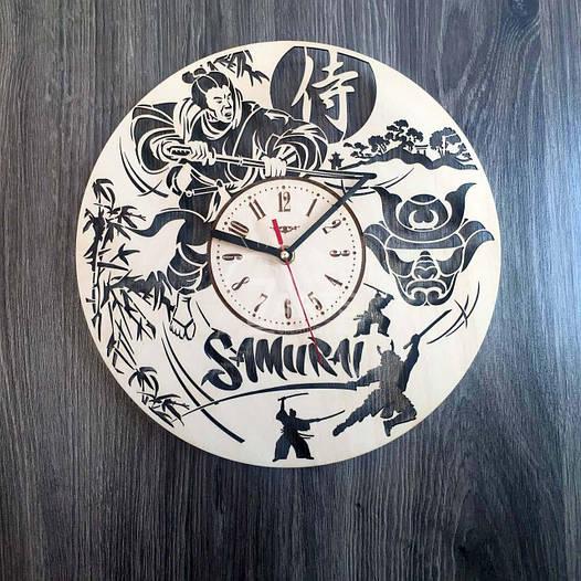 Круглые дизайнерские деревянные часы «Самурай» (30 см) [Натуральное дерево, Открытые]