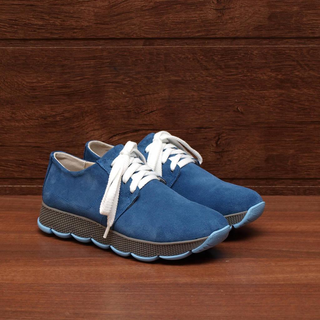 80141| Женские кроссовки на серой подошве. Синие из замши