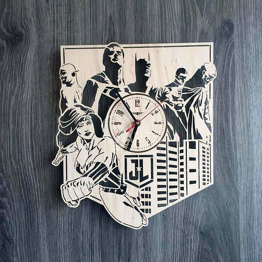 Настенные часы из дерева «Лига справедливости» (30 см) [Натуральное дерево, Открытые]