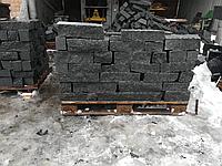 Заборный камень скала