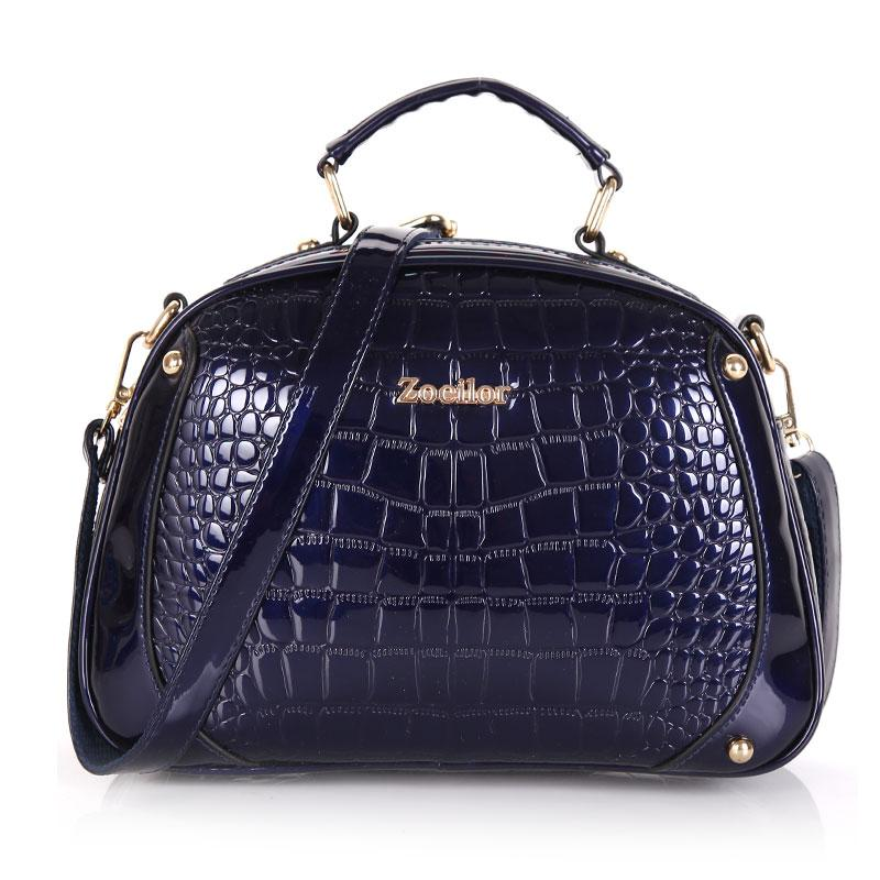 f8ac9c865081 Сумка бочонок женская лаковая под кожу крокодила (синяя) - Интернет-магазин  «VINGO