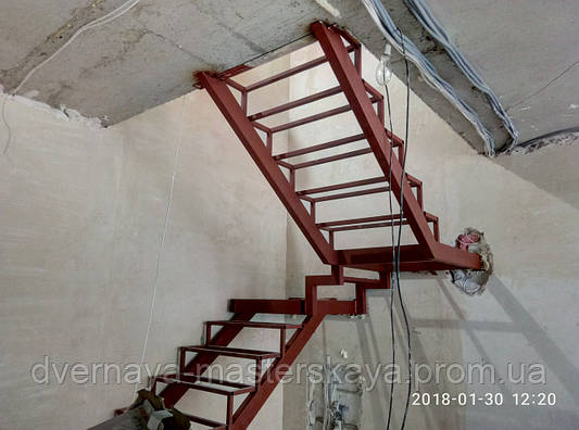 Каркас лестницы на 2 этаж