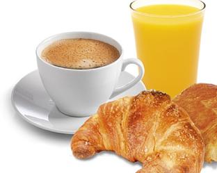 Утренние кофе и цитрусовый сок проблема для голодного желудка