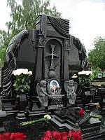Элитный памятник из гранита с ангелочками  №19
