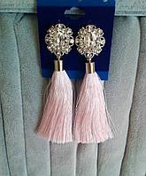 Серьги кисточки, удлиненные шелковые кисти, нежно-розовые ,  высота 9 см.