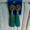 Серьги кисточки, удлиненные шелковые кисти, зеленые ,  высота 9 см.
