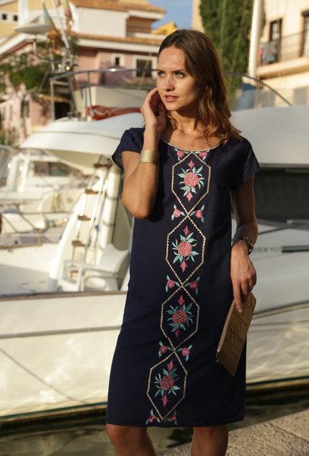Платье женское летнее синее с вышивкой из хлопка Индиано 17260