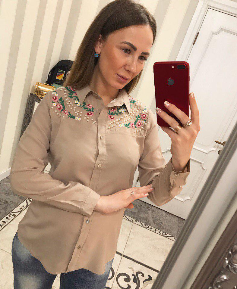 Шикарная женская блузка украшенная бусинами и вышивкой