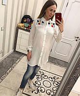 Красивая белая рубашка декорирована вышивкой , фото 1