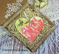 Сердечко-подвеска ручной работы в подарочной коробке (двухстороннее), фото 1