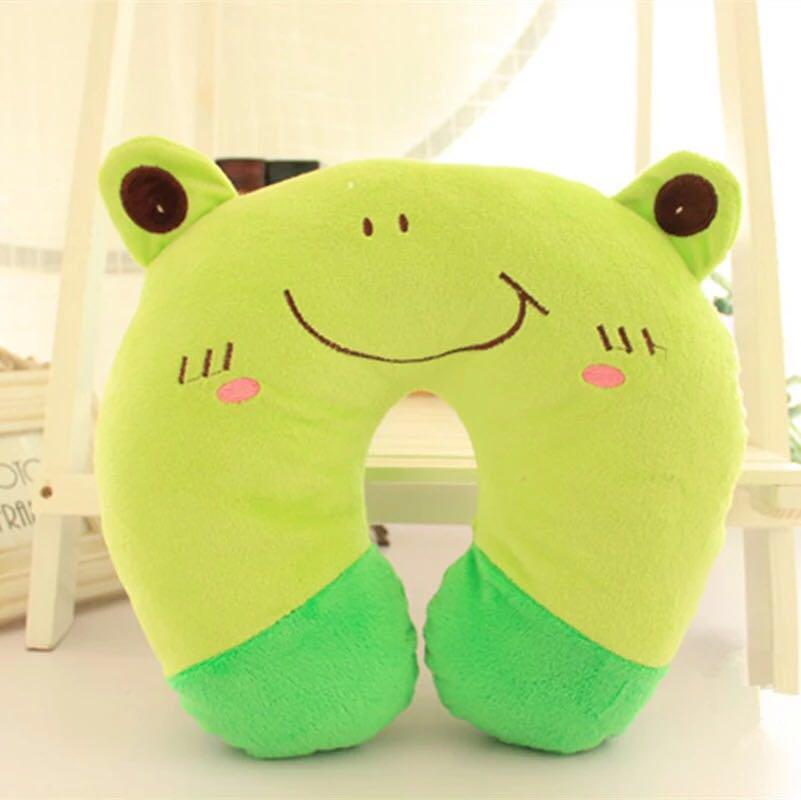 Подушка под голову - подкова (зелёная)