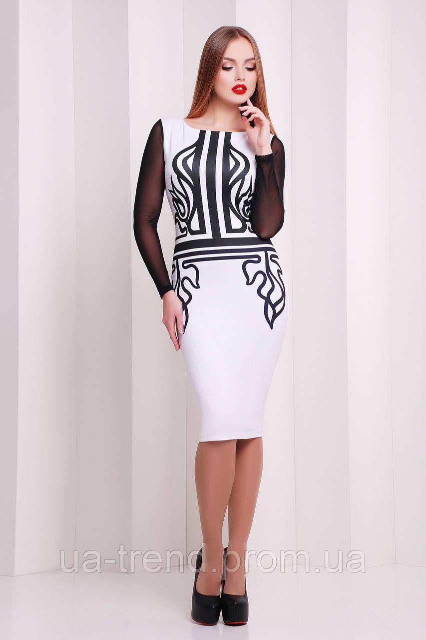 Платье по фигуре с принтом и сетчатыми рукавами