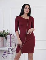 Красивое женское платье с молнией