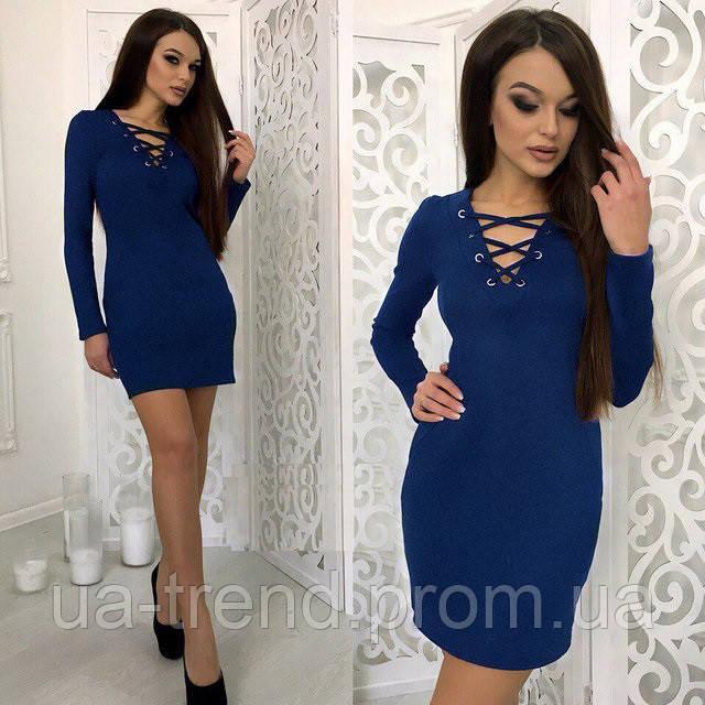 Женское короткое платье со шнуровкой