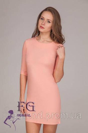 Нежное женское платье персикового цвета