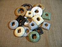Декоративные накладки на трубы отопления из искусственного камня