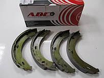 Колодки ручника ABE CRM005ABE MERCEDES VITO ->03