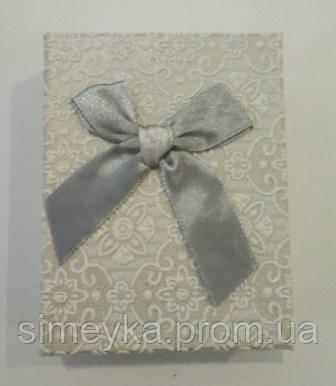 Коробочка подарункова з сірим бантиком 7 см * 9 см.