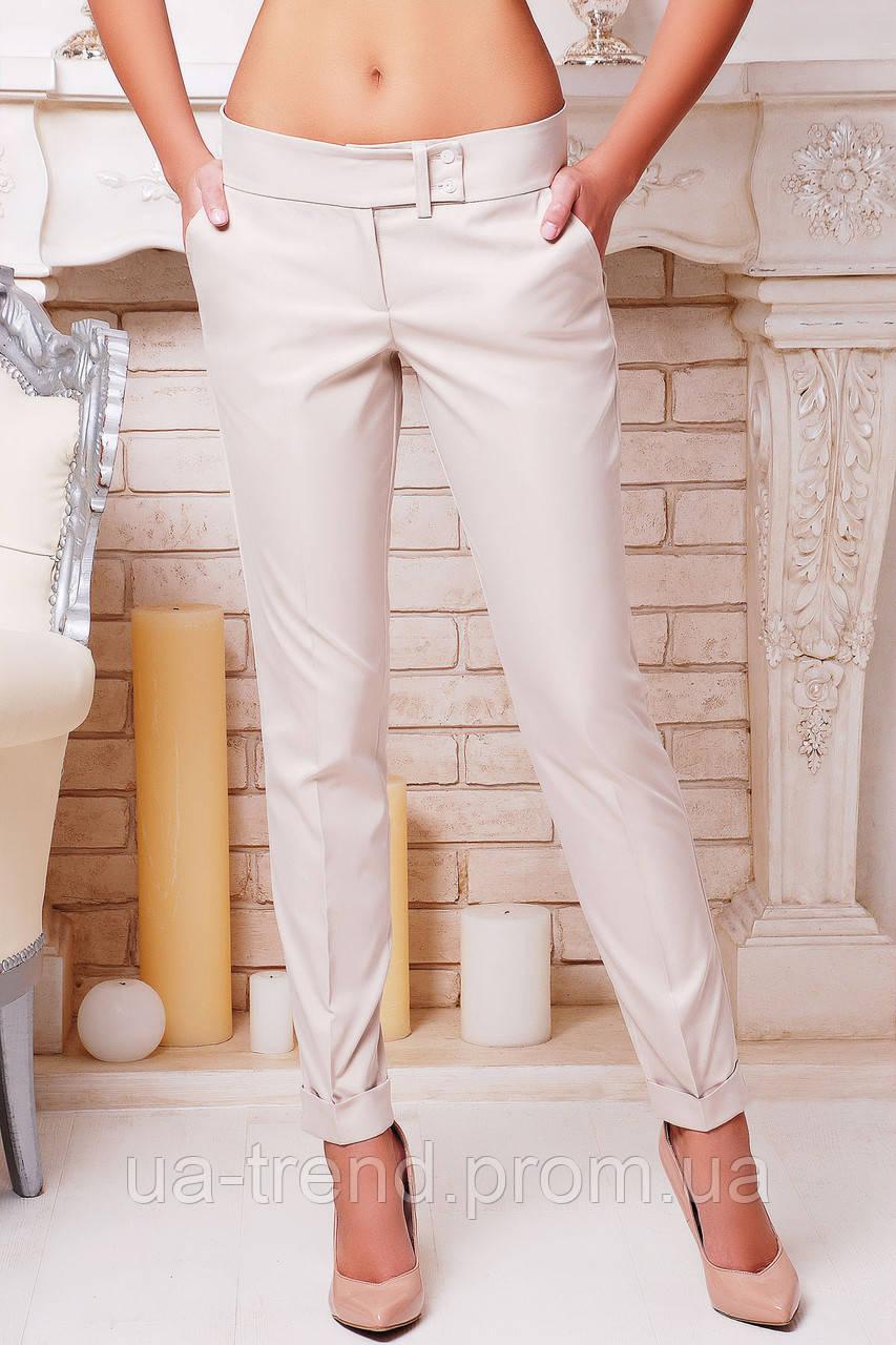 Элегантные женские брюки с подворотом светло бежевого цвета