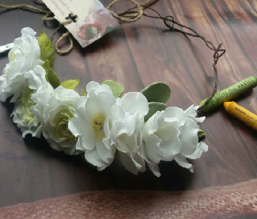 """Венок """"Троянди з фрезіяи"""", фоаміран (на зав'язках)"""