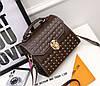 Трендовая сумка сундук с мраморным оттенком и заклепками, фото 6