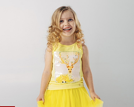 Майка на девочку,ярко-желтого цвета с аппликацией,возраст 4 года ,р 104
