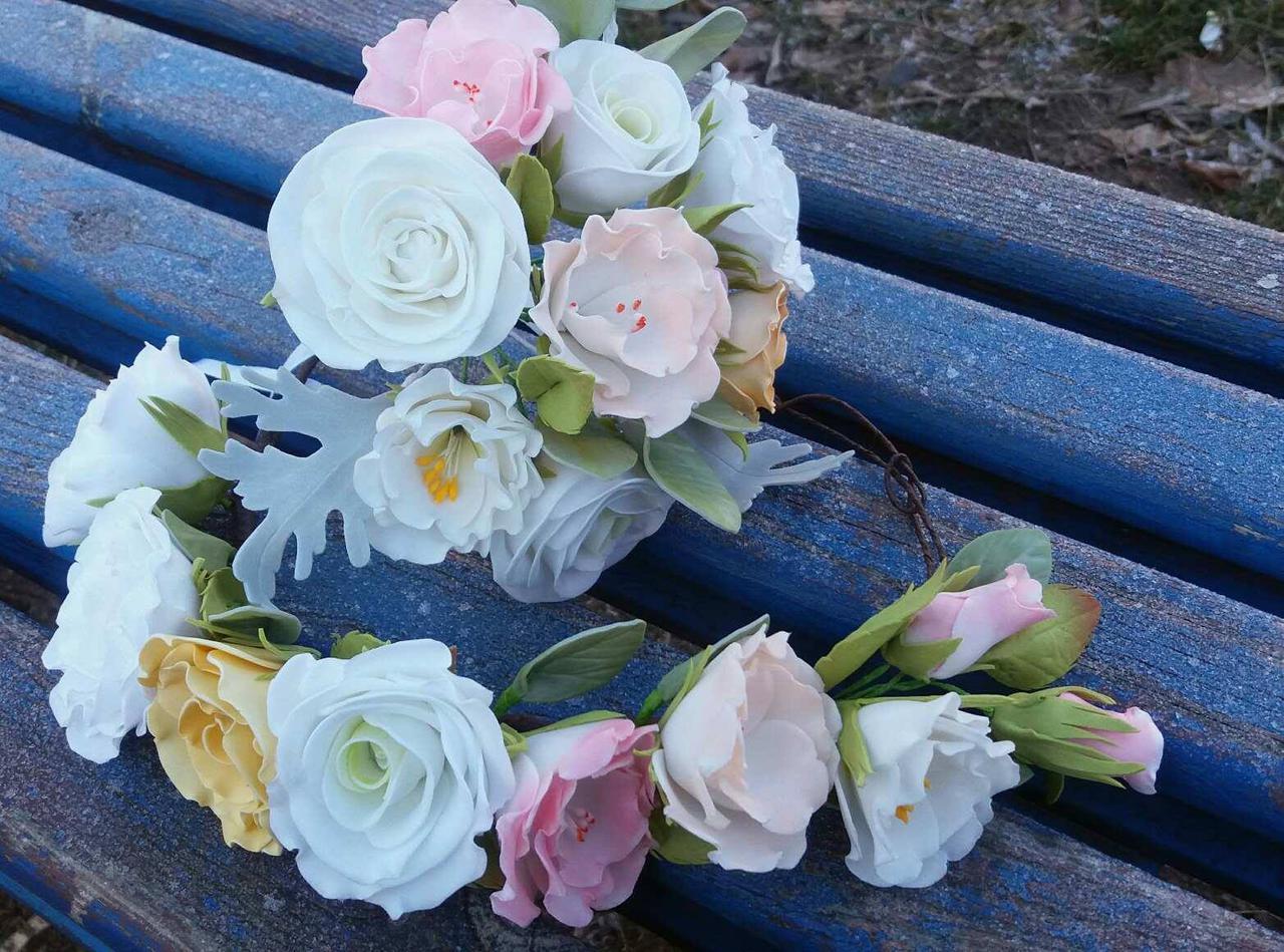 """Венок """"Ніжні троянди"""", фоаміран (зав.язки, об'ємний)"""