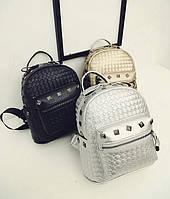 Стильный городской плетеный рюкзак с заклепками для модных девушек