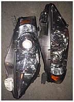 Фара правая 811100E050 Toyota Lexus RX 2010-12 БУ США