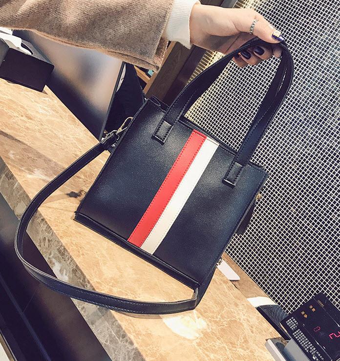 Модная аккуратная сумка на каждый день, с помпоном