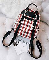 Нежный женский городской рюкзак в клетку с помпоном, фото 2