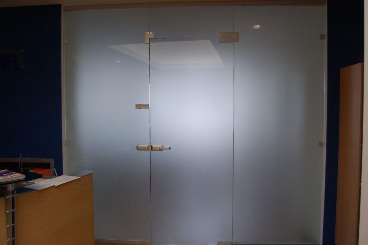 Перегородка стеклянная