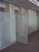 Перегородки из стекла для офисов и торговых центров