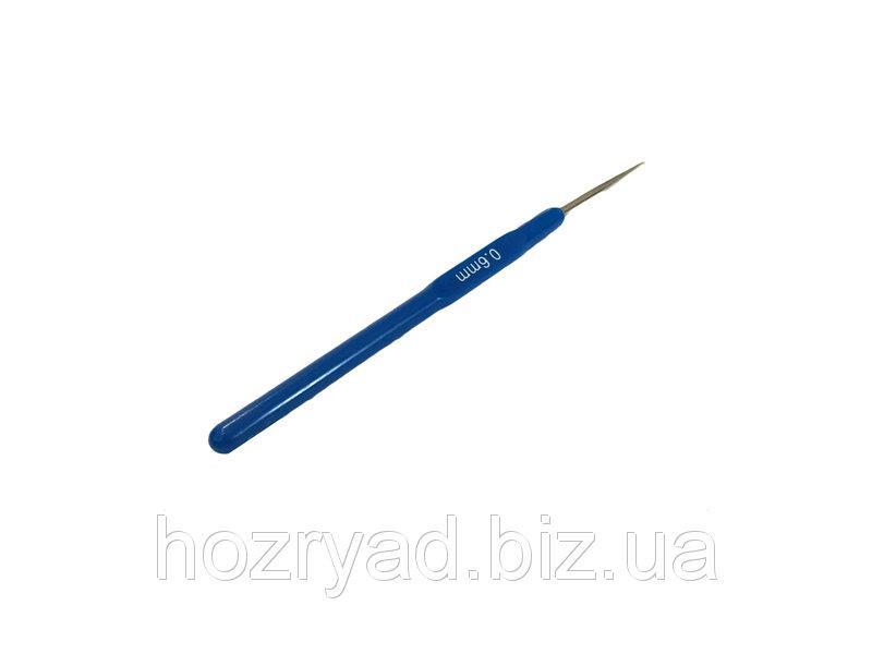 Крючек вязальный односторонний с пластмассовой ручкой 1,5  мм