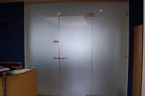 Декоративные стеклянные перегородки, изготовление и монтаж