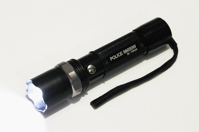 Фонарик  тактический BL- 8626 POLICE полиция Bailong 99000W + две зарядки + аккумулятор + адаптер + Zoom 5