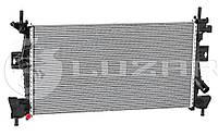 Радиатор охлаждения Ford Focus III (11-)/C-Max (11-) 1.6i/2.0i Zetec МКПП/АКПП (LRc 1075) Luzar