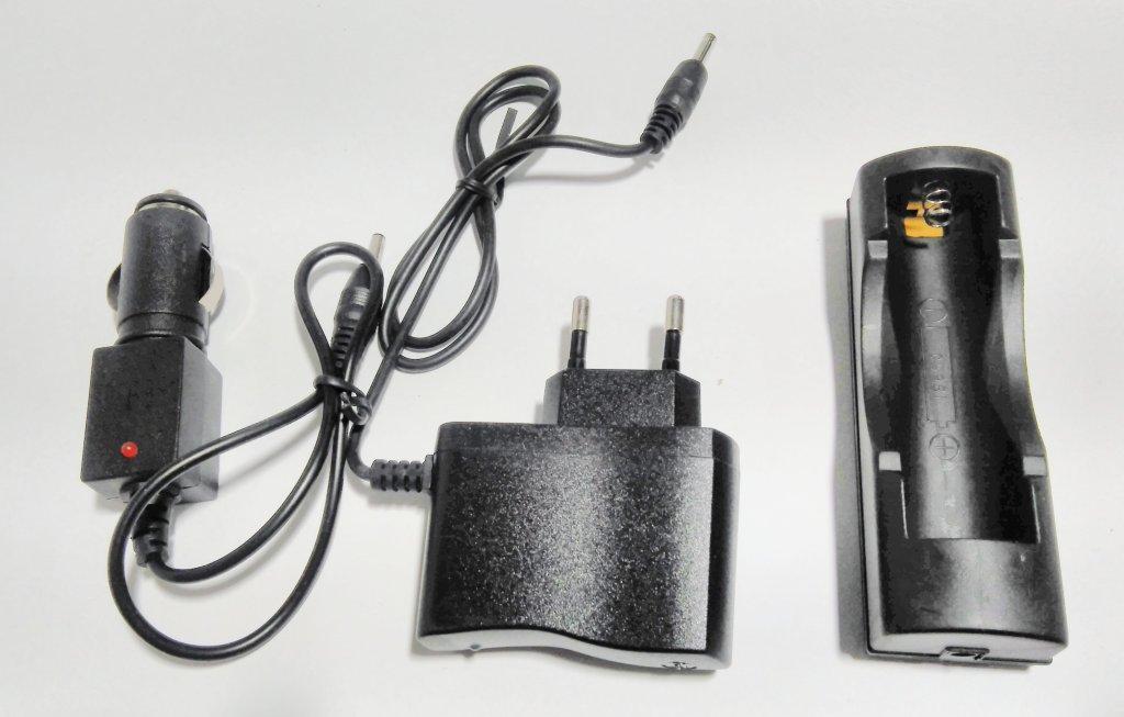 Зарядки для АКБ 18650 от сети и прикуривателя 220/12/4,8 V для тактических фонариков Bailong и аналогов