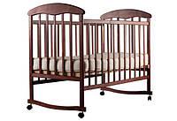 Детская кроватка Наталка, колеса-качалка, темная
