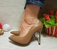Туфли лодочки с металлическим каблуком