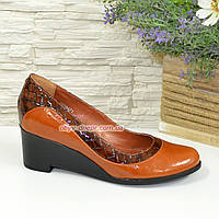 Женские коричневые классические туфли на невысокой устойчивой платформе, натуральные кожа и кожа крокодил