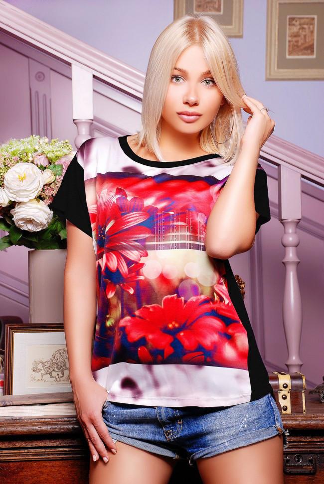 """Свободная женская черная футболка с коротким рукавом и цветочным принтом Красные астры """"Air"""""""